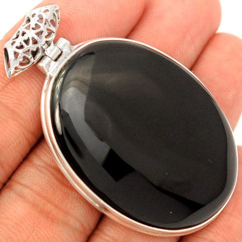 Zilveren hanger met brede ovale cabochon zwarte Onyx ...
