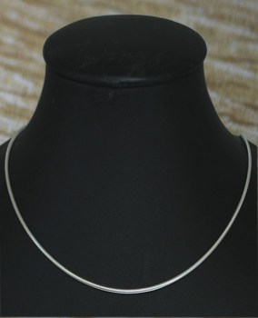 Sterling zilveren slangenketting 45 cm / 2 mm