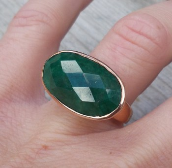 Vergulde ring met dwarsliggende ovale Emerald 17.3 mm