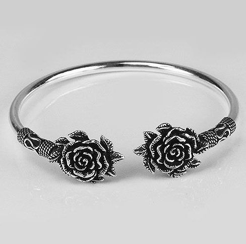 Zilveren armband / bangle met rozen